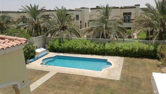 Beautiful 4 bedroom Legacy Villa in Jumeirah Park